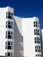 Czy warto kupować nieruchomość z oknem w łazience?